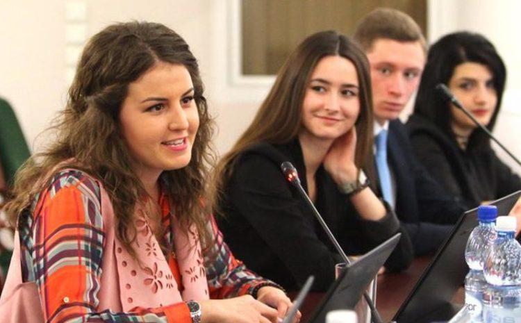 2750 молодых избирателей Балаково выбрали своих представителей в Молодежный парламент