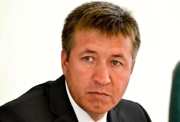Соловьев потребовал навести порядок на кладбищах
