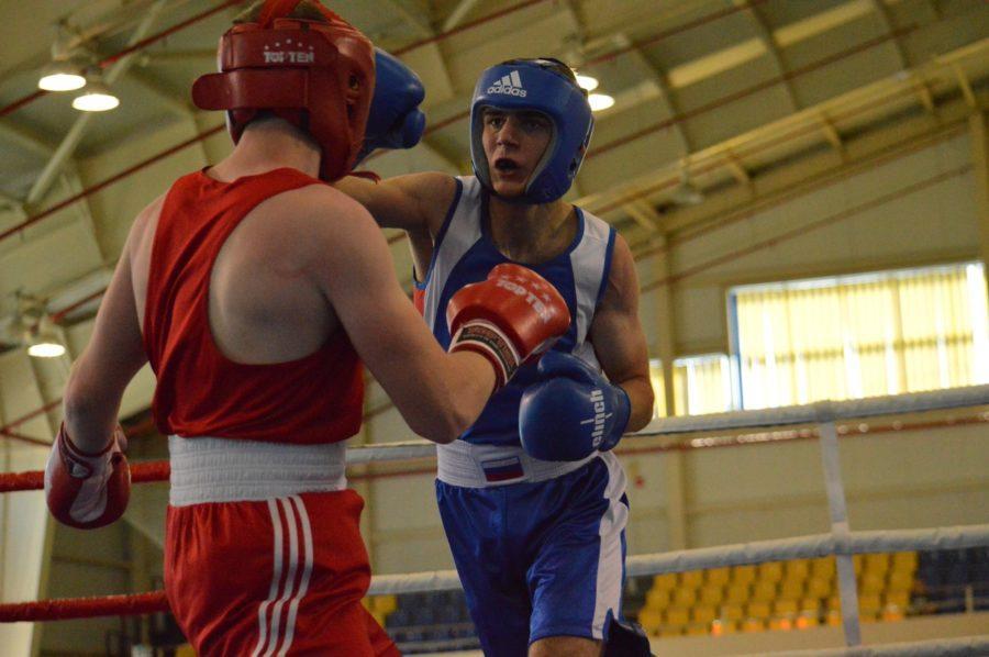 Фоторепортаж и видеосюжет с межрегионального турнира по боксу памяти Грибанова