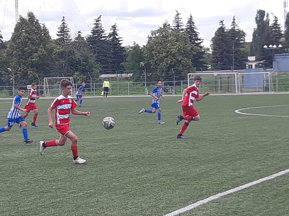 На первенстве России футболисты СШОР Балаково добились высоких результатов
