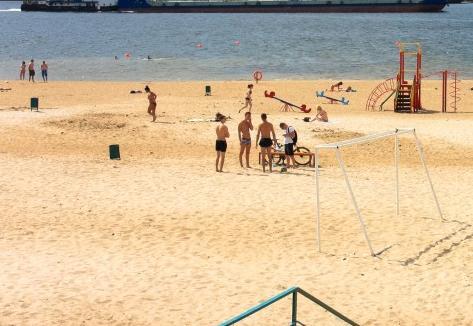 ЧП на пляже в 7-м микрорайоне едва не утонула 6-летняя девочка