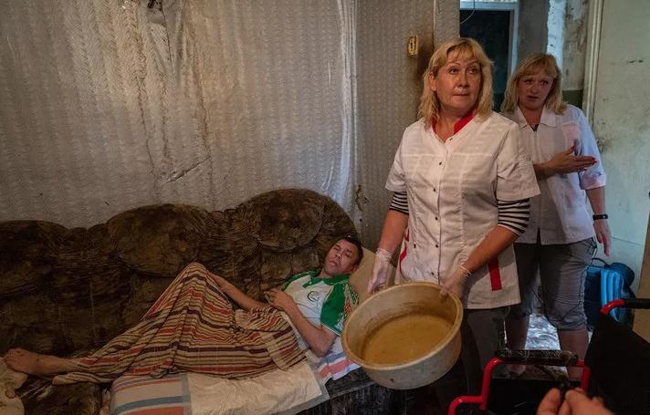 Полная жопа и наверное город должен быть разрушен» известный блогер рассказал как выживают люди в Саратовской области