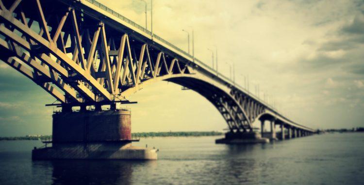 Из жизни экстремалов прыгнул в Волгу с моста, вынырнул и ушел в неизвестном направлении