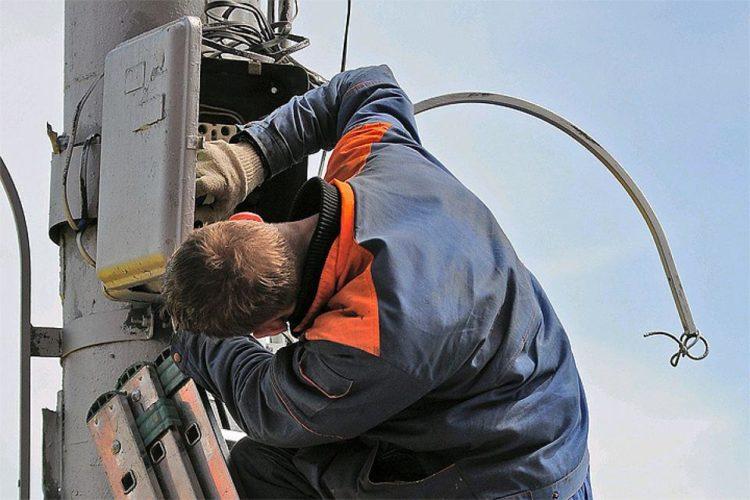 В Балаково во вторник отключат электричество почти на весь день в нескольких домах
