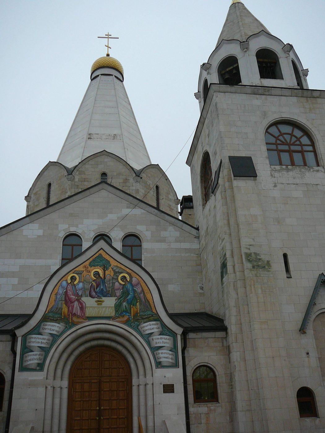 249 цветов в мозаике возрожденной иконы над балаковским храмом
