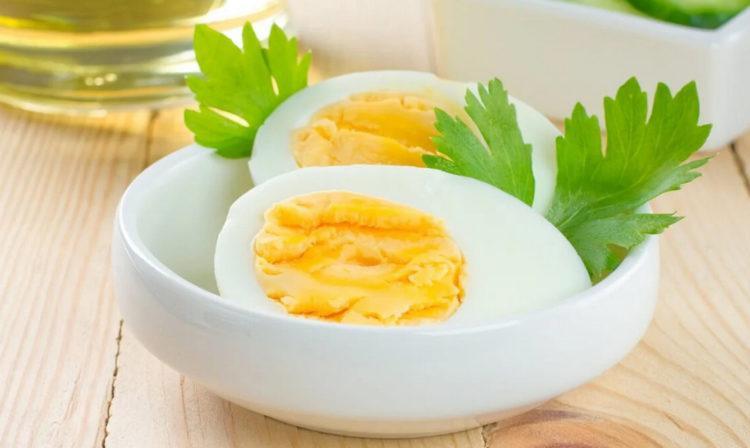 Диетологи назвали простую еду для усиления метаболизма и быстрого похудения