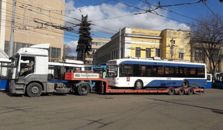 Троллейбусы не трамваи в металлолом не сдадут