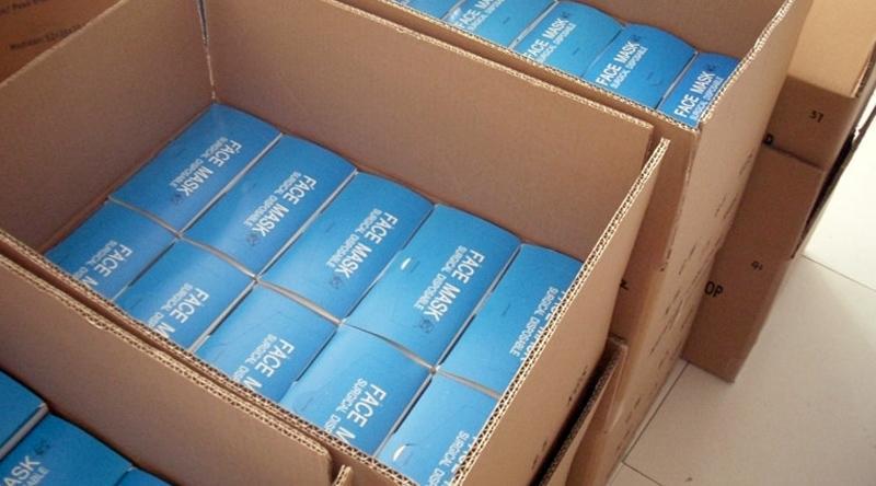 Балаковские предприниматели подарили медицинским учреждениям антисептики, перчатки и 9 тысяч медицинских маскок