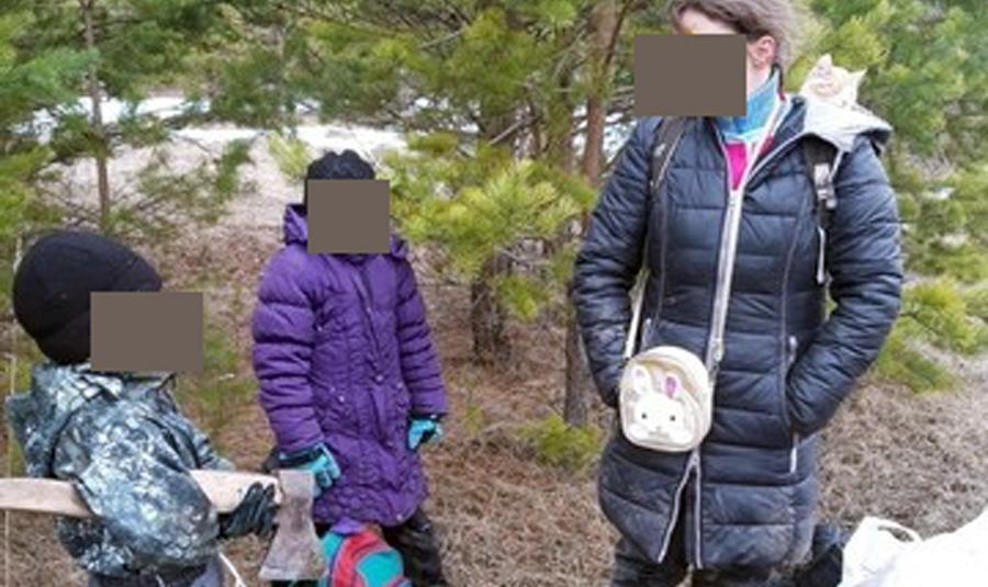 Прихватив кошку, семья с детьми спряталась от коронавируса в лесу