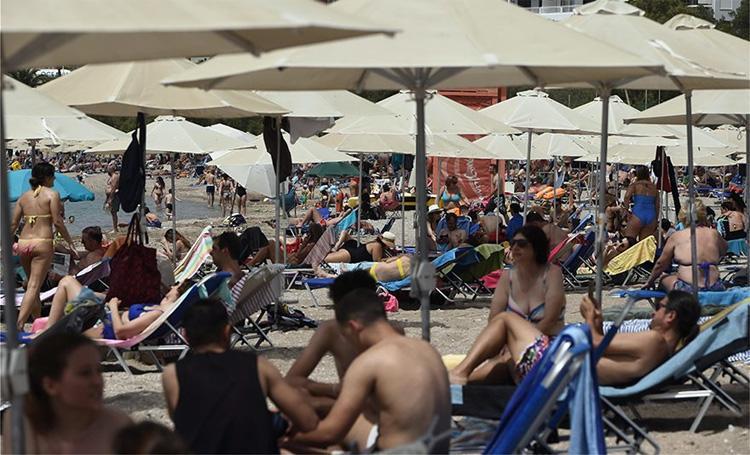 В Греции в период ограничений из-за коронавируса открыли пляжи