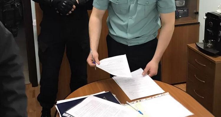 Силовики проводят проверку в администрации Балаковского района