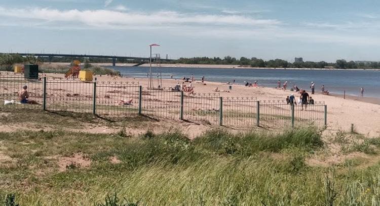 Официально пляжи в Балаково закрыты фактически пляжный сезон уже наступил