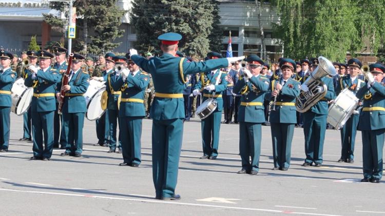 Шествие ко Дню Победы проведут в Саратове без зрителей и ветеранов