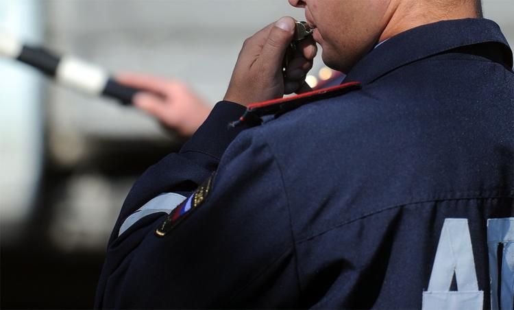 Еще один полицейский из Балаково вымогал взятку на хлебной трассе