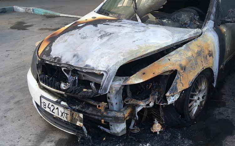 Сегодня ночью в Балаково сгорели две иномарки