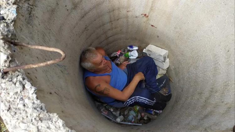 Вчера в Балаково спасатели извлекали из колодца мужчину