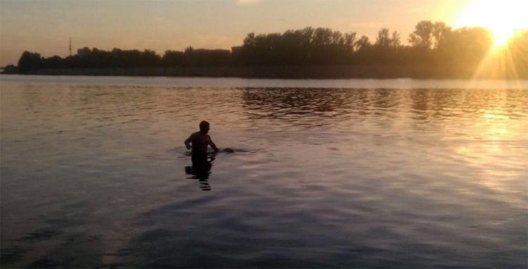 В судоходном канале в Балаково всплыл труп мужчины