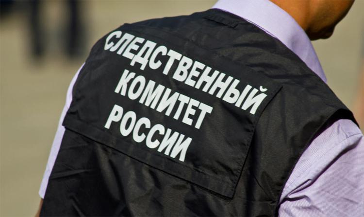 Взяточница из Роспотребнадзора прихватила в магазине платок и шапку