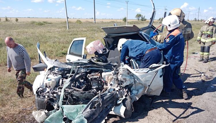 Сегодня в страшном ДТП в Балаковском районе погибли сразу три человека