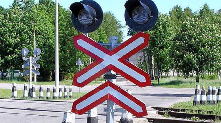 По дороге из Балаково в Саратов учтите ремонт железнодорожного переезда