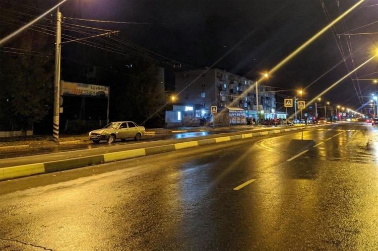 В Балаково на улице Комарова 20-летний парень сбил пешехода