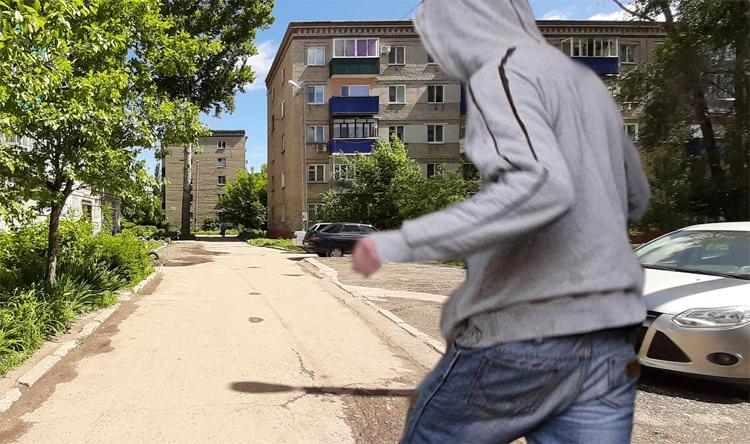 В Балаково 17-летний парень разбил голову мужчине металлической палкой