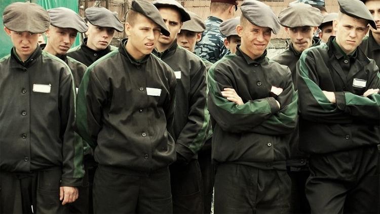 Парней 17 и 18 лет в Балаково отправили в колонии за угон автомобиля
