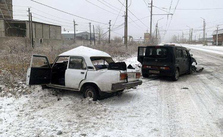 Зимняя резина ДТП не помеха на Транспортной в Балаково произошла авария с пострадавшими