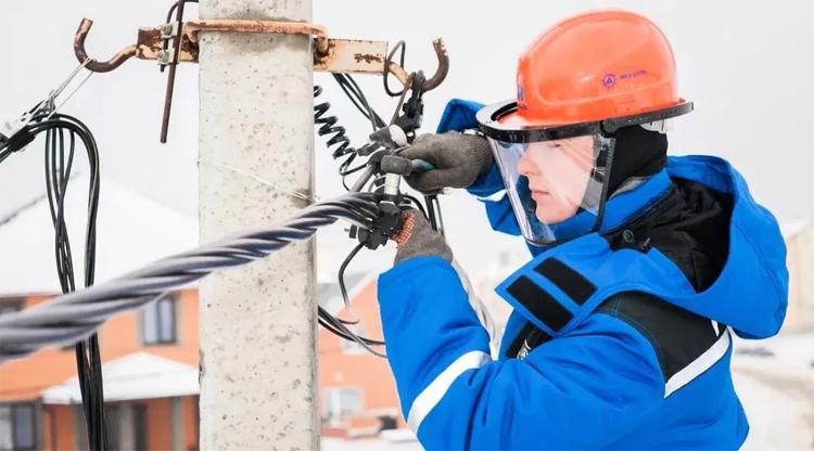 В понедельник в Балаково не будет электричества в нескольких многоквартирных домах