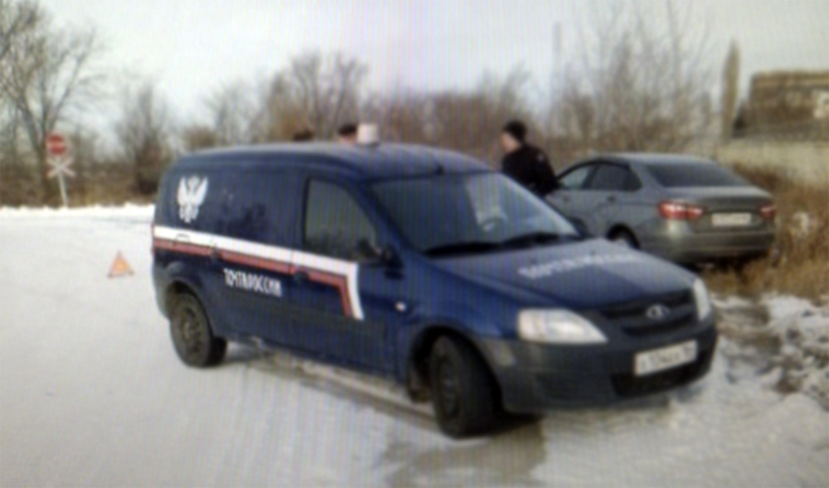 Вчера на Саратовском шоссе столкнулись «Ларгус» и «Лада»