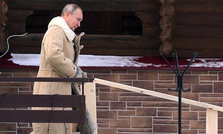 Путин искупался на Крещение в 20-градусный мороз