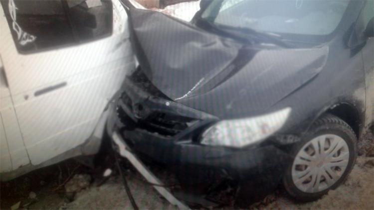 Вчера на Транспортной в Балаково иномарка протаранила «газель»