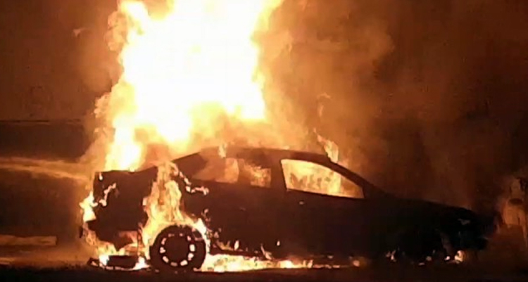 Пожарные в Балаково тушили «Тойоту» и пригоревшую пищу
