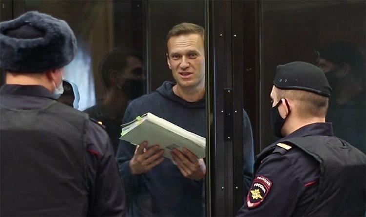 Навальному светит 2,6 года колонии общего режима