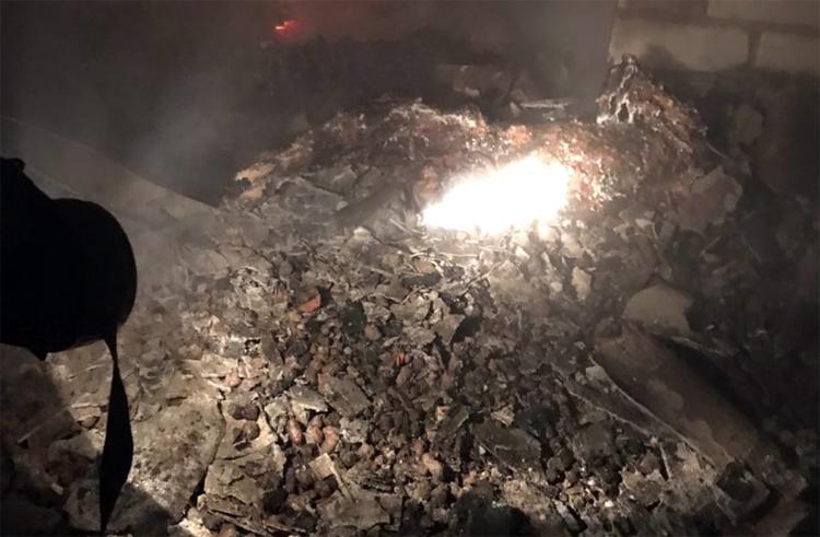 В Маянге заживо сгорели теща бывшего участкового со своим сыном