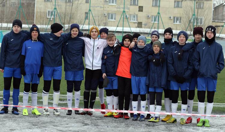 Юноши из Балаково дошли до полуфинала на соревнованиях по футболу в Самаре