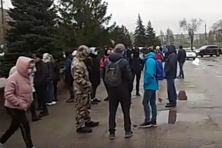 Акции протеста в Саратове и Балаково: Исаев заявил о вандалах, троих балаковцев задержали