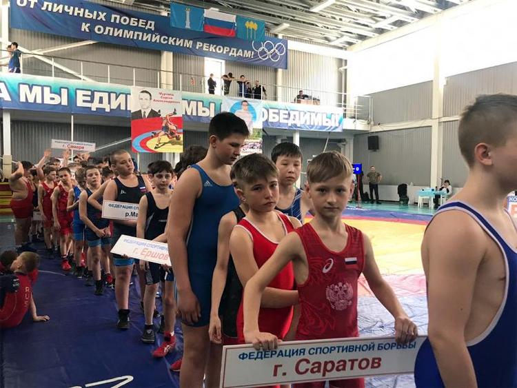 Александр Бессарабов привез в Балаково серебро межрегионального турнира по греко-римской борьбе