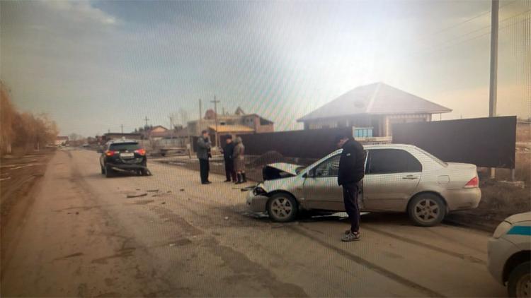 В Балаково по дороге в Подсосенки столкнулись две иномарки