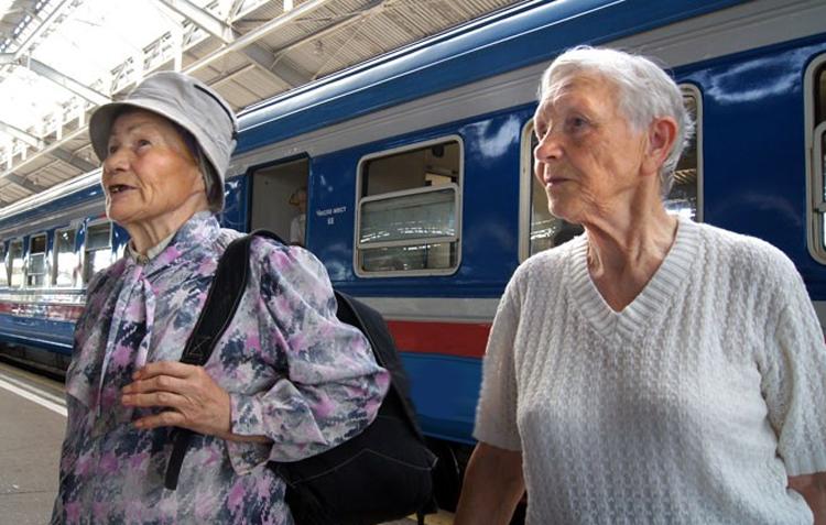 Балаковские пенсионеры могут ездить в купе со скидкой 30 процентов