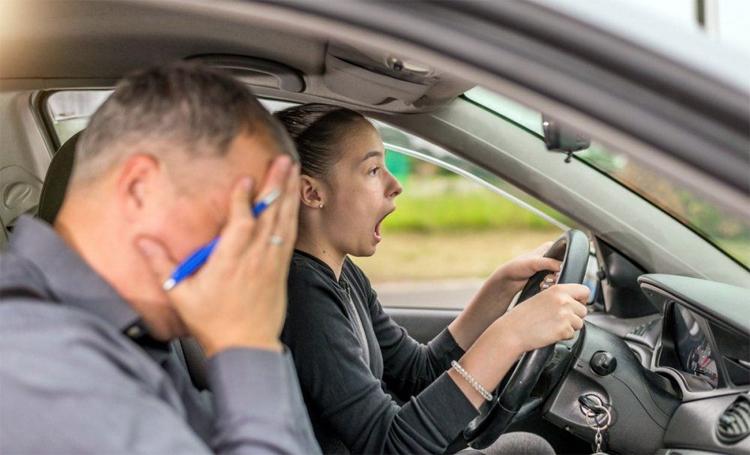 Водительские права будет получить сложнее: все реально плюс наблюдатели
