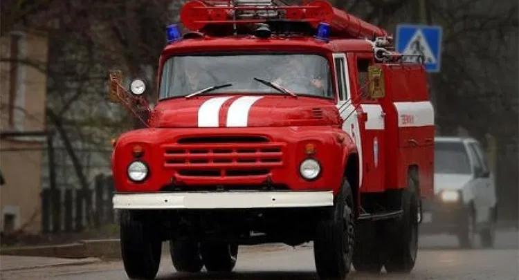 Пожарные выходные: в Балаково горела квартира, в Натальино – дом