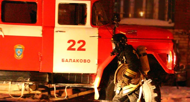 Во время пожара в Балаково пострадала двухлетняя девочка