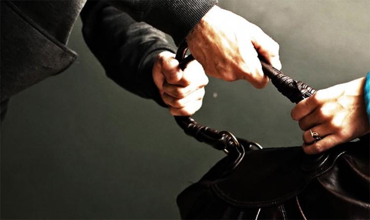 Балаковец украл сумочку с женскими туфлями и получил год колонии строго режима