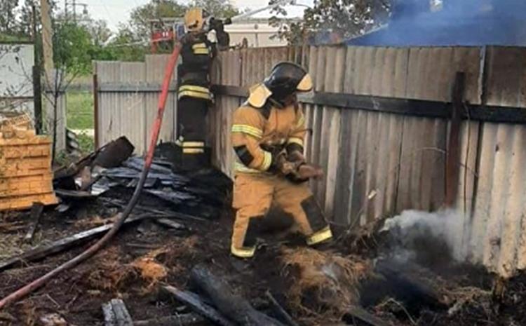 В Маянге Балаковского района подожгли два дома и сарай