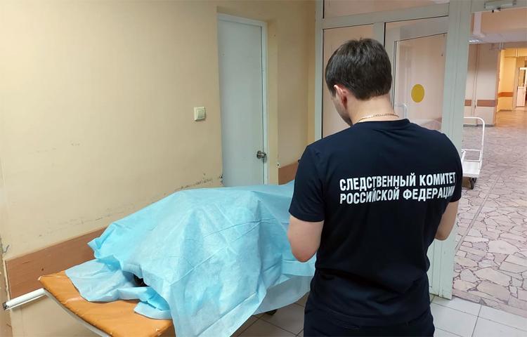 В Балаково таксист привез в больницу пассажира, который там умер