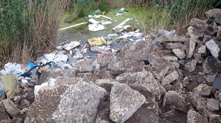 Виновник бетонной свалки на озере Иловатое в Балаково установлен
