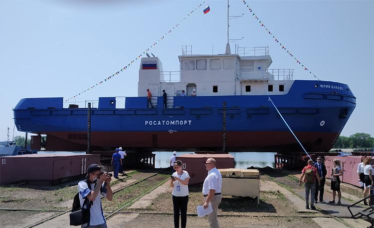 В Балаково идет подготовка к спуску на воду головного гидрографического судна «Юрий Бабаев»