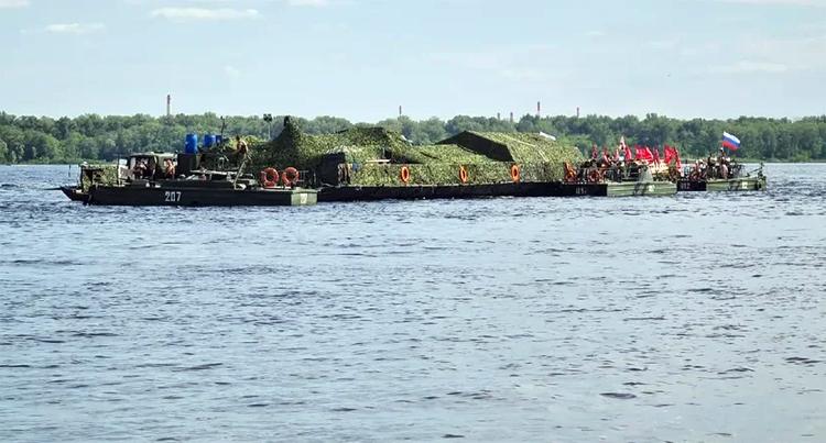 Завтра в Балаково ожидают прибытие 100-метрового понтона