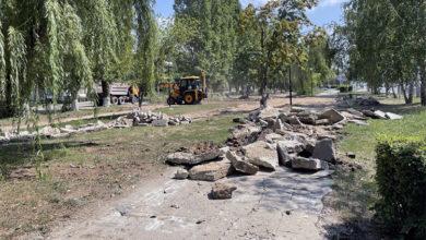 Работы в сквере на улице 30 лет Победы в Балаково в самом разгаре